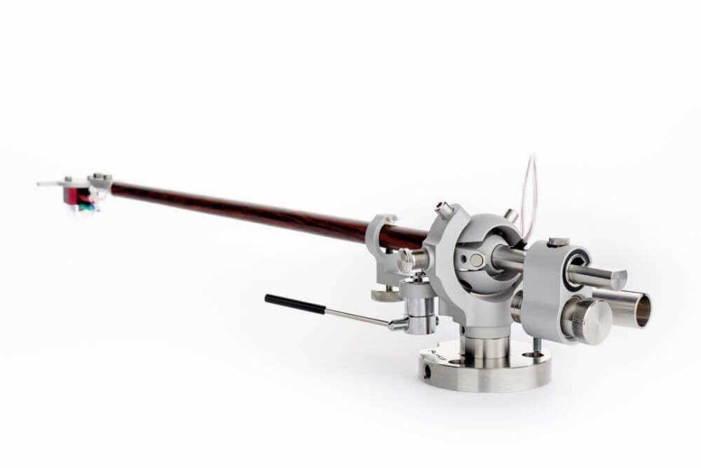 Reed 1X tonearm unique bearing system